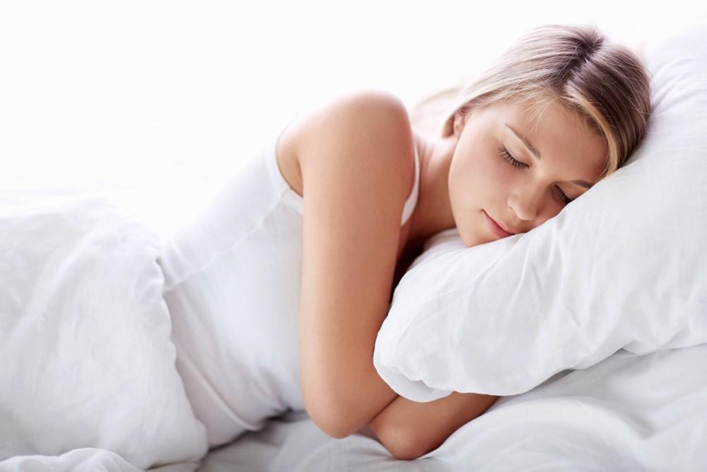 Nằm úp người khi ngủ